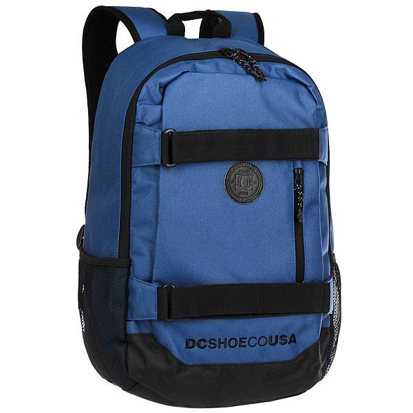Рюкзак спортивный DC Clocked Washed IndigoФункциональный городской рюкзак с мягким отделением для ноутбука и системой крепления скейтборда. Для тех, кто ни на минуту не хочет расставаться со своей любимой доской. Просторное основное отделение дополнено внутренним огранайзером и внешним карманом на молнии, а эргономичные лямки легко регулируются по длине для максимального удобства использования.Характеристики:Просторное основное отделение на молнии. Плетеные лямки для крепления скейтборда. Внутренний органайзер.Внутреннее отделение для ноутбука (с диагональю до 15 дюймов) с набивными стенками. Набивные заплечные лямки с регулируемой длиной. С ярлыком из натуральной лицевой кожи. Внешний карман на молнии.<br><br>Цвет: синий<br>Тип: Рюкзак спортивный<br>Возраст: Взрослый
