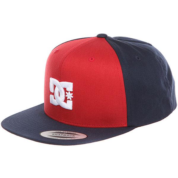 Бейсболка с прямым козырьком DC Snappy Hats Rio Red<br><br>Цвет: красный,Темно-синий<br>Тип: Бейсболка с прямым козырьком<br>Возраст: Взрослый