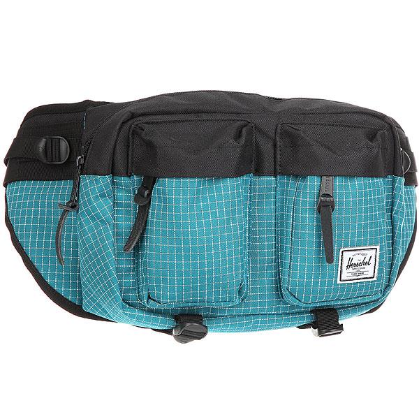 Сумка поясная Herschel Eighteen Ocean GridВместительная поясная сумка с двумя внешними карманами. Эта модель отличается своим объёмом, за счёт которого Вы всегда сможете взять собой чуть больше нужных вещей. Удобный поясной ремень позволяет носить сумку также через плечо, что несомненно оценят, например, любители велосипедных прогулок.Характеристики:Расширяемое основное отделение на молнии. 2 внешнихкармана на молнии. Регулируемый ремень с пряжкой.Фирменная полосатая подкладка. Молнии с деталями из кожи. Ярлычок с логотипом Herschel.<br><br>Цвет: голубой,черный<br>Тип: Сумка поясная<br>Возраст: Взрослый<br>Пол: Мужской