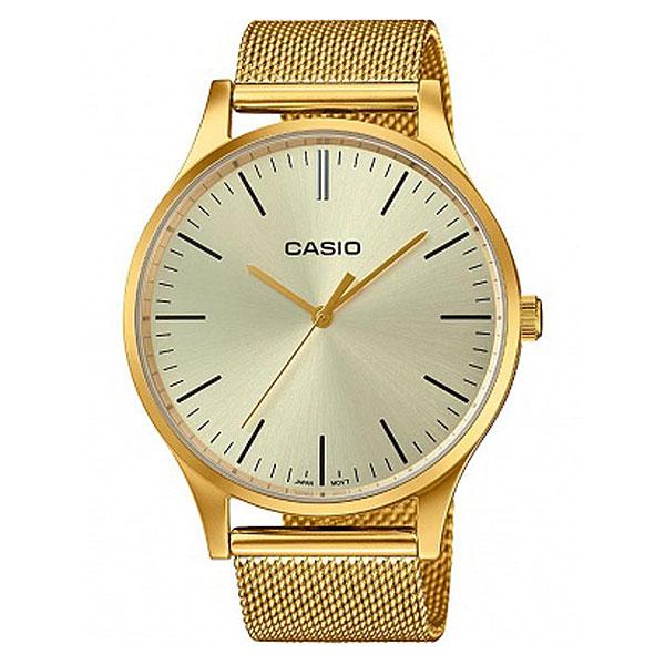 Кварцевые часы Casio Collection Ltp-e140g-9aЭлегантные наручные часы в прочном корпусе из нержавеющей стали с классическим браслетом.Технические характеристики: Прочный корпус из нержавеющей стали.Браслет из нержавеющей стали.Регулируемое крепление.Срок службы аккумулятора - 3 года.Водонепроницаемость в соответствии с DIN 8310 т.е. ISO 2281 - модель устойчива к мелким брызгам, любые контакты с большим количеством воды следует избегать.<br><br>Цвет: желтый<br>Тип: Кварцевые часы<br>Возраст: Взрослый<br>Пол: Мужской