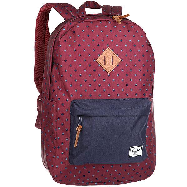 Рюкзак Herschel Heritage Uni WineВневременной стиль и функциональный дизайн в рюкзаке Heritage™.Технические характеристики: Классическая полосатая подкладка.Карман для ноутбука 15.Передний карман с клипсой для ключей.Внутренний медиа-карман с портом для наушников.Классическая нашивка с логотипом.<br><br>Цвет: бордовый<br>Тип: Рюкзак<br>Возраст: Взрослый