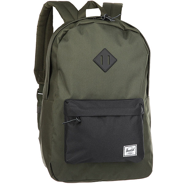 Рюкзак Herschel Heritage Forest/BlackВневременной стиль и функциональный дизайн в рюкзаке Heritage™.Технические характеристики: Классическая полосатая подкладка.Карман для ноутбука 15.Передний карман с клипсой для ключей.Внутренний медиа-карман с портом для наушников.Классическая нашивка с логотипом.<br><br>Цвет: Темно-зеленый<br>Тип: Рюкзак<br>Возраст: Взрослый