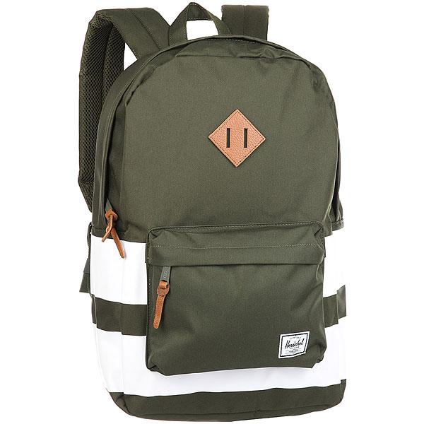Рюкзак Herschel Heritage Forest RugbyВневременной стиль и функциональный дизайн в рюкзаке Heritage™.Технические характеристики: Классическая полосатая подкладка.Карман для ноутбука 15.Передний карман с клипсой для ключей.Внутренний медиа-карман с портом для наушников.Классическая нашивка с логотипом.<br><br>Цвет: зеленый<br>Тип: Рюкзак<br>Возраст: Взрослый