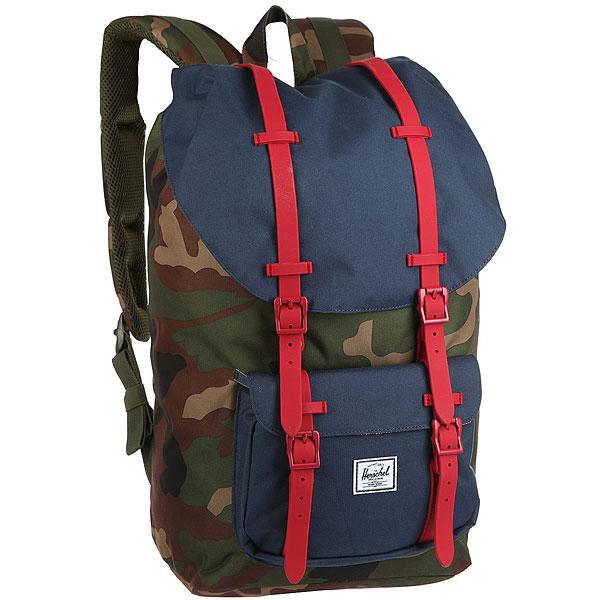 Рюкзак Herschel Little America Woodland Camo/Navy/Red Rubber<br><br>Цвет: мультиколор<br>Тип: Рюкзак<br>Возраст: Взрослый<br>Пол: Мужской