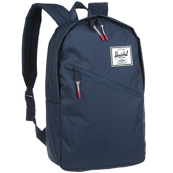 Рюкзак Herschel Parker NavyТонкий, стильный и повседневный рюкзак Parker.Технические характеристики: Классическая полосатая подкладка.Карман для ноутбука 15.Передний карман на водонепроницаемой молнии.Классическая нашивка с логотипом.<br><br>Цвет: Темно-синий<br>Тип: Рюкзак<br>Возраст: Взрослый