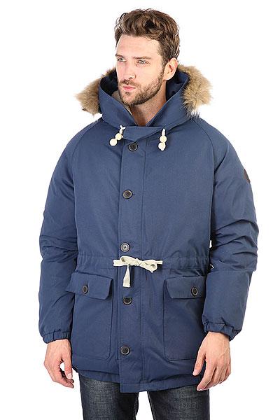 Пуховик Devo Peter Freuchen BlueМужская зимняя куртка Peter Freuchen, утеплена гусиным пухом с показателем Fill Power 700+ и способна выдерживать арктические морозы.Характеристики:Для более комфортной посадки, куртка имеет классический рукав-реглан и внешнюю кулиску на талии. В объемном капюшоне есть мягкая подкладка. Отстегивающаяся опушка из искусственного меха. Куртка застегивается на металлическую молнию и пуговицы. Именная фурнитура с деталями из натуральной кожи и дерева. Внутри потайной карман и стеганая хлопковая подкладка.<br><br>Цвет: синий<br>Тип: Пуховик<br>Возраст: Взрослый<br>Пол: Мужской