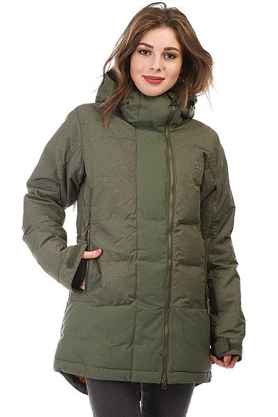 Куртка утепленная женская DC Liberty BeetleСноубордическая пуховая куртка DC Libertyснабжена асимметричной молнией и удлиненным подолом, а также теплым регулируемым капюшоном. Снегозащитная юбка и внутренние эластичные лайкровые манжеты. Теперь не нужно бояться замерзнуть- Вы сможетепровести весь день на склоне, наслаждаясь теплом и комфортом.Характеристики:Прямой стеганый крой. Технология DC Weather Defense(10000мм /10000г/м2). Утеплитель: смешанный пух (300г туловище, 150г рукава и капюшон). Подкладка: тафта. Асимметричная вертикальная молния.Регулируемый в двух направлениях капюшон с козырьком. Вентиляционные сетчатые вставки в проймах. Капюшон с козырьком. Фиксированная снегозащитная юбка. Система крепления куртки к штанам. Удлиненный скругленный подол.Регулируемые на липучке манжеты. Внутренниеэластичные манжеты из лайкры.Внутренний медиа-карман на молнии. Внутренний сетчатый карман. Карман на молнии на рукаве для ски-пасса. Два кармана для рук на молнии. Фирменный логотип на груди. Утягивающийся подол.<br><br>Цвет: зеленый<br>Тип: Куртка утепленная<br>Возраст: Взрослый<br>Пол: Женский