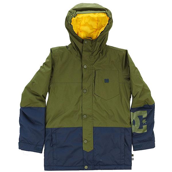 Куртка утепленная детская DC Defy Youth Jkt ChiveЯркая сноубордическая куртка для юных райдеров. Оснащенная мембранойDC WEATHER DEFENSE с показателями 10К, утеплителем (150 г) и снегозащитной манжетой эта куртка сохранит Вашего ребенка в тепле и сухости в течение всего катального дня, а яркая расцветка сделает его заметнее и обезопасит пребывание на склоне.Характеристики:Удлиненный крой. Мембранная влагостойкаядышащая ткань10K DC WEATHER DEFENSE. Утеплитель: туловище - 150 г, рукава - 100 г. Подкладкаиз тафты. Проклеенные в критических местах швы.Вентиляция подмышками. Нагрудный карман. Внутренний сетчатый карман для маски. Внутренний медиа-карман на молнии. Система крепления куртки к штанам.Карман на рукаве. Капюшон с эластичной резинкой. Регулируемые на липучке манжеты. Снегозащитная юбка с эластичной вставкой из лайкры. Два кармана для рук на молнии. Карабин для ключа.<br><br>Цвет: зеленый,синий<br>Тип: Куртка утепленная<br>Возраст: Детский