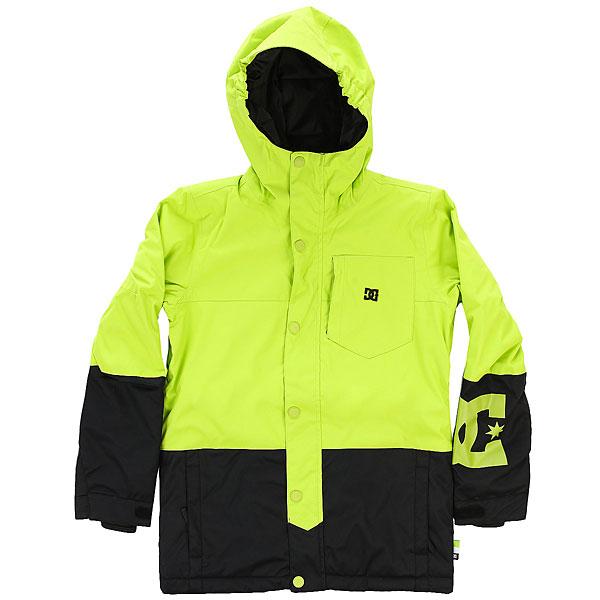 Куртка утепленная детская DC Defy Youth Jkt Tender ShotsЯркая сноубордическая куртка для юных райдеров. Оснащенная мембранойDC WEATHER DEFENSE с показателями 10К, утеплителем (150 г) и снегозащитной манжетой эта куртка сохранит Вашего ребенка в тепле и сухости в течение всего катального дня, а яркая расцветка сделает его заметнее и обезопасит пребывание на склоне.Характеристики:Удлиненный крой. Мембранная влагостойкаядышащая ткань10K DC WEATHER DEFENSE. Утеплитель: туловище - 150 г, рукава - 100 г. Подкладкаиз тафты. Проклеенные в критических местах швы.Вентиляция подмышками. Нагрудный карман. Внутренний сетчатый карман для маски. Внутренний медиа-карман на молнии. Система крепления куртки к штанам.Карман на рукаве.Капюшон с эластичной резинкой. Регулируемые на липучке манжеты.Снегозащитная юбка с эластичной вставкой из лайкры. Два кармана для рук на молнии. Карабин для ключа.<br><br>Цвет: зеленый,черный<br>Тип: Куртка утепленная<br>Возраст: Детский