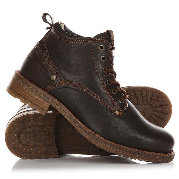 Ботинки высокие Wrangler Hill Dark BrownМужские ботинки Wrangler придутся по вкусу многим ценителям удобства и практичности.Аккуратная прострочка добавит некоторой изюминки внешнему виду ботинок, а особая рифлёная подошва позволит чувствовать себя уверенно на скользкой тротуаре.Характеристики:Верх из натуральной кожи. Мягкая внутренняя съемная стелька из пенорезины EVA с дополнительным подпяточником. Мысок усилен дополнительной вставкой. Внутренняя отделка из текстиля.Круглая шнуровка с металлическими тонированными люверсами. Цельнокроеный носок.Гибкая литая резиновая подошва с дополнительной прошивкой.<br><br>Цвет: коричневый<br>Тип: Ботинки высокие<br>Возраст: Взрослый<br>Пол: Мужской