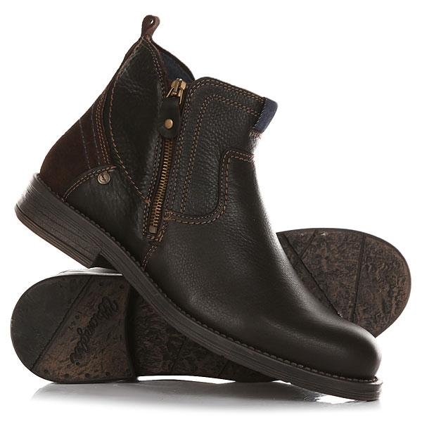 Ботинки высокие Wrangler Cliff Zip TdmВысокие ботинки Wrangler придутся по вкусу многим ценителям удобства и практичности.Сделаны эти ботинки из актуальной в этом сезоненатуральной кожи.Аккуратная прострочка добавит некоторой изюминки внешнему виду ботинок, а особая рифлёная подошва позволит чувствовать себя уверенно. Характеристики:Верх из натуральной кожи. Мягкая внутренняя съемная стелька из пенорезины EVA с дополнительным подпяточником. Мысок усилен дополнительной вставкой. Внутренняя отделка из текстиля.Две боковые молнии.Цельнокроеный носок.Гибкая литая резиновая подошва с дополнительной прошивкой.<br><br>Цвет: Темно-коричневый<br>Тип: Ботинки высокие<br>Возраст: Взрослый<br>Пол: Мужской