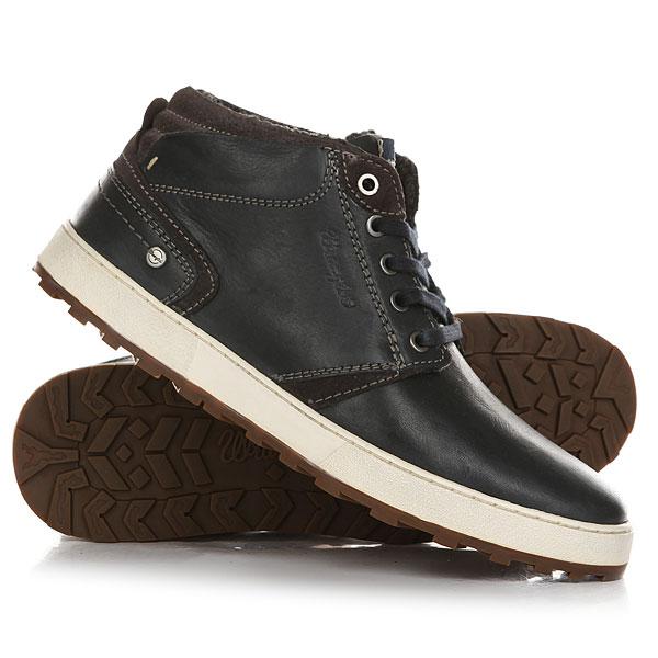 Кеды кроссовки зимние Wrangler Bruce Desert Dark NavyМужские ботинки Wrangler, модельBruce Desert- ультрамодная новинка сезона в стиле кэжуал! Модель выполнена из кожи высочайшего качества.Характеристики:Текстильная подкладка имеет терморегулирующие свойства. Мягкий манжет на заднике обеспечивает ногам максимальное удобство. Утеплитель из натурального меха.Подошва с протектором против скольжения. Цельнокроеный носок. Плоская шнуровка с тонированными металлическими люверсами. Кожаная нашивка-логотип на язычке.<br><br>Цвет: Темно-синий<br>Тип: Кеды зимние<br>Возраст: Взрослый<br>Пол: Мужской