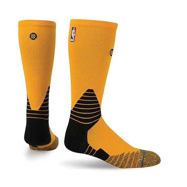 Носки высокие Stance Nba Oncourt Solid Crew<br><br>Цвет: желтый<br>Тип: Носки высокие<br>Возраст: Взрослый<br>Пол: Мужской