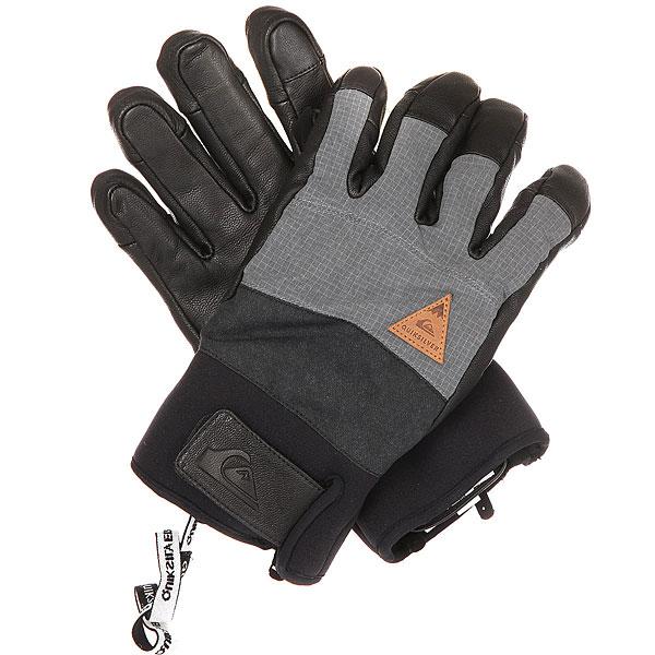 Перчатки сноубордические Quiksilver Squad BlackНадежные, прочные и теплые - перчатки Quiksilver Squad пробудут с Вами всю зиму, обеспечивая теплом и комфортом. Прочная кожа, утеплитель Warmflight®, регулируемые манжеты и съемный лиш, удерживающий снятые перчатки. Что-то забыли? Ах да, еще в них можно использовать устройства с сенсорными экранами. Отличный вариант на весь долгий сезон.Характеристики:Материал: прочный нейлон пигментного окрашивания. Ладонь из 100% водостойкой кожи. Утеплитель: Warmflight® (80 г).Водостойкая вставка DryFlight®.Регулируемые манжеты. Замшевая вставка на большом пальце для вытирания носа. Подходят для управления устройствами с сенсорным экраном. Съемный лиш для запястья, удерживающий снятые перчатки.<br><br>Цвет: серый,черный<br>Тип: Перчатки сноубордические<br>Возраст: Взрослый<br>Пол: Мужской