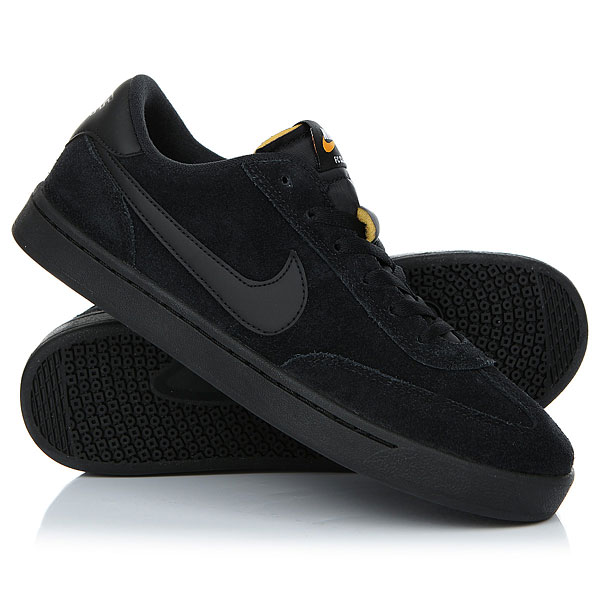 Кеды кроссовки низкие Nike Sb Fc Classic BlackМужская обувь для скейтбординга Nike SB FC Classic — обновленное исполнение модели 2003 года с амортизацией Solarsoft для комфорта и уверенного сцепления с доской.Технические характеристики: Конструкция из замши и синтетического текстиля для потрясающей прочности.Вшитый язычок для удобной посадки.Прорезная стелька Solarsoft для низкопрофильной амортизации.Гибкая резиновая подошва для оптимального сцепления.<br><br>Цвет: черный<br>Тип: Кеды низкие<br>Возраст: Взрослый<br>Пол: Мужской
