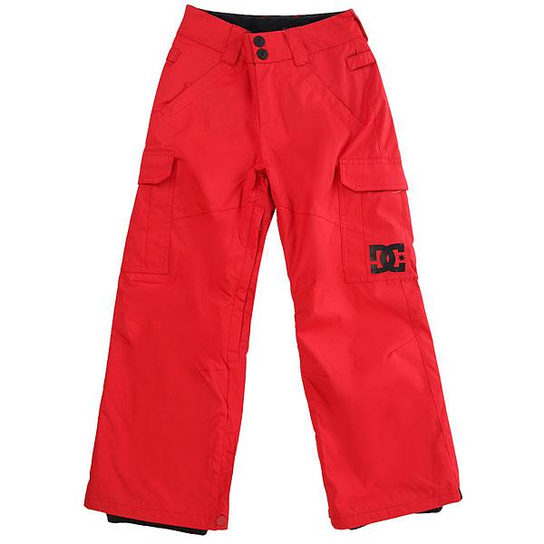 Штаны сноубордические детские DC Shoes Banshee Youth Racing RedДетская версия хита от DC почти ничем не отличается от взрослого оригинала за исключением, пожалуй, уплотненных коленей и немного большего объема утеплителя, что, конечно же, для детских штанов только плюс. В остальном они точно такие же - обилие карманов, проклеенные швы, возможность пристегнуть штаны к куртке и вентиляция с сетчатыми вставками. Классика, проверенная временем, они не подведут в любых условиях.Характеристики:Классический крой. Мембрана: водостойкая 10K DC WEATHER DEFENSE. Утеплитель: синтетический наполнитель (80 гр).Проклеенные в стратегических местах швы. Вентиляция с сетчатыми вставками.Подкладка из тафты. Пояс с регулировкой размера. Петли для ремня.Система пристегивания штанов к куртке. Два кармана для рук с доступом на молнии. Два накладных карго-кармана. Два кармана с клапанами сзади.Уплотненные колени. Вставка на кнопке для регулировки ширины нижней части штанины. Система утяжки края штанин для защиты их от преждевременного износа.Снегозащитные гетры с водоотталкивающей пропиткой DWR. Принт с логотипом на левом карго-кармане.<br><br>Цвет: красный<br>Тип: Штаны сноубордические<br>Возраст: Детский