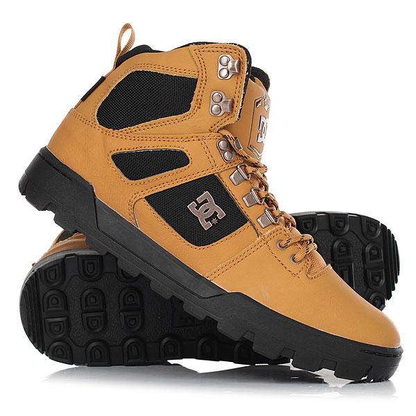 Ботинки высокие DC Shoes Spartan High Wr Wheat/Dk ChocolateПрочные и внушающие доверие ботинки DC Spartan High WR Boots обеспечат Вас теплом и комфортом в самые холодные зимние дни сезона. Высокий силуэт, качественная натуральная кожа и толстая подошва с фирменным цепким протектором – это залог защиты Ваших ног от холодного снега и ледяного ветра, при этом мягкие язычок и манжеты из вспененного материала создают дополнительную поддержку и комфорт.Характеристики:Теплая подкладка из шерпа-флиса.Язычок и манжет из вспененного материала для комфорта и поддержки.Прочная резиновая подошва. Фирменный рисунок протектора обеспечит надежное сцепление с любой поверхностью. Круглые шнурки. Металлические крючки, проушины и люверсы. Фирменный логотип DC сбоку, на язычке, на стельке.<br><br>Цвет: коричневый<br>Тип: Ботинки высокие<br>Возраст: Взрослый<br>Пол: Мужской