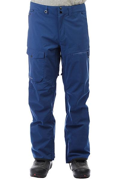 Штаны сноубордические Quiksilver Util Stretch Estate BlueФункциональные современные штаны для катания должны обладать хорошей мембранной тканью, продуманным кроем, необходимыми карманами и вентиляцией с сетчатыми вставками. Мужские штаныUtility Stretch как раз такие. Водостойкая мембранная ткань 20K Quiksilver DryFlight®, подкладка из тафты и трикотажа с начесом,держатель для ски-пасса,тройная система застегивания и водонепроницаемые молнии YKK® Aquaguard®. И это лишь малая часть того, что еще скрывается в этих штанах. Современный крой позволит Вам всегда оставаться на стиле.Характеристики:Мембрана:водостойкая 20K Quiksilver DryFlight®.Материал:прочный нейлон пигментного окрашивания.Современный крой (modern). Подкладка из тафты и трикотажа с начесом + мягкая вставка из трикотажа с начесом с изнанки пояса. Полностью проклеенные швы.Держатель для ски-пасса. Пояс на утяжке для регулировки размера. Два кармана для рук. Накладной карго-карман на правой штанине. Внутренний карман на молнии на левой штанине. Тройная система застегивания. Водонепроницаемые молнии YKK® Aquaguard®.Вентиляционные прорези на сеточной подкладке. Уплотненные края штанин. Снегозащитные гетры. Система утяжки края штанин для защиты их от преждевременного износа.<br><br>Цвет: синий<br>Тип: Штаны сноубордические<br>Возраст: Взрослый<br>Пол: Мужской