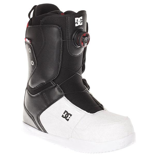 Ботинки для сноуборда DC Scout Boax Black/WhiteДостаточно мягкие ботинки с подошвой UniLite из полимера EVA для лучшей амортизации. Практичные ботинки, которые идеально подойдут начинающим и прогрессирующим райдерам, так как не будут стеснять ногу излишней жесткостью.Технические характеристики: Система скоростной шнуровки Boa H3 Coiler.Технологичная и легкая подошва Foundation Unilite из полимера EVA.Внутренник Red.Стелька Snow Basic.<br><br>Цвет: черный,белый<br>Тип: Ботинки для сноуборда<br>Возраст: Взрослый<br>Пол: Мужской
