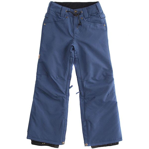 Штаны сноубордические детские DC Relay Insignia BlueС каждым годом все большую популярность обретают штаны для сноуборда, выполненные в стиле классического денима. DC Relay уже несколько сезонов как раз следуют этой тенденции. В дополнение к привычному и столь любимому дизайну в этой модели применены фирменные технологии DC, чтобы сделать катание максимально комфортным на протяжении всего дня. Влагостойкая ткань Exotex 10K, которая защитит от промокания, утеплитесь 80г обеспечит уют и тепло в холодный день, а вентиляционные отсеки будут незаменимыми в жаркий день.Характеристики:Влагостойкая ткань Exotex 10K (10 000 мм. / 5 000 г.). Утеплитель 80 г. Подкладка из тафты. Прямой крой. Проклеенные критические швы. Сетчатые карманы с внутренней стороны бедра для вентиляции.Снегозащитные гетры с влагостойкой пропиткой DWR. Встроенная регулировка талии. Застежка на пуговицах. Ширинка на молнии. Петли для крепления штанов к куртке. Шнурок на поясе. 5-карманный дизайн.<br><br>Цвет: синий<br>Тип: Штаны сноубордические<br>Возраст: Детский
