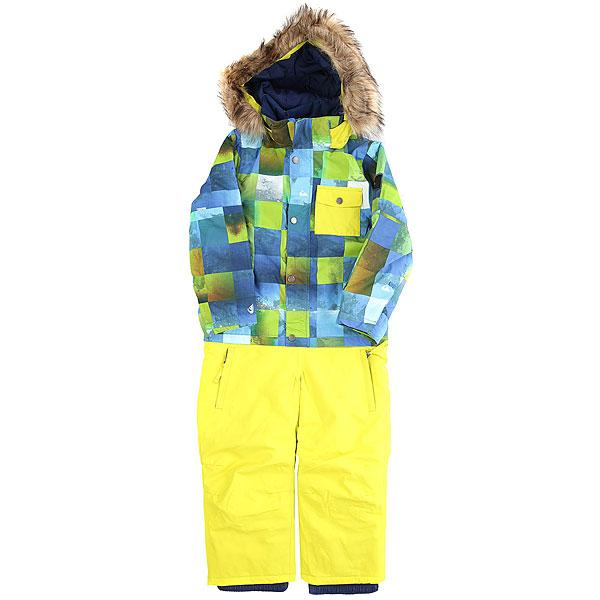Комбинезон сноубордический детский Quiksilver Rookie Kids Blue SulphurИдеальная детская одежда для зимы - это без сомнения комбинезон. Что-то вроде этого Quiksilver Rookie - в нем ребенок будет защищен от снега, ветра и влаги, а хороший утеплитель Warmflight® не даст ему замерзнуть даже тогда, когда он несколько часов будет играть на улице. Объемный капюшон, который удобно использовать в том числе и со шлемом, система крепления варежек, а также система регулировки длины рукавов и штанин, которая позволит использовать этот комбинезон на протяжении не одного сезона. Отличный вариант, он наверняка понравится Вашему ребенку.Характеристики:Стандартный крой. Мембрана: водостойкая 10K Quiksilver DryFlight®.Материал: синтетический оксфорд. Утеплитель: наполнитель Warmflight® (тело — 200 г, рукава — 120 г, штанины — 100 г, капюшон — 80 г).Проклеенные в стратегических местах швы. Подкладка из тафты и трикотажа с начесом. Система крепления варежек. Съемный капюшон со съемной оторочкой из искусственного меха, совместимый со шлемом. Система «на вырост» (рукава курток и брючины штанов с регулировкой длины растут вместе с ребенком!). Два кармана для рук с доступом на молнии. Нагрудный карман. Застегивается на молнию по всей длине.Клапан для защиты молнии на кнопках. Снегозащитные гетры.Регулируемые манжеты. Состав: 100% полиэстер.<br><br>Цвет: желтый,голубой<br>Тип: Комбинезон сноубордический<br>Возраст: Детский