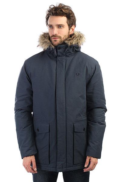 Куртка зимняя Fred Perry Quilted Fur Trim Parka NavyПарка Quilted была частью униформы в течение 50 лет. Изготовленная из водостойкой хлопчатобумажной ткани с утеплителем, она обеспечивает комфортную защиту от ветра и осадков.Технические характеристики: Водостойкая хлопковая ткань.Стеганая подкладка с синтетическим утеплителем.Съемная меховая отделка.Карманы для рук и потайной карман.Регулировка талии.Застежка на молнию с ветрозащитным клапаном.<br><br>Цвет: Темно-синий<br>Тип: Куртка зимняя<br>Возраст: Взрослый<br>Пол: Мужской