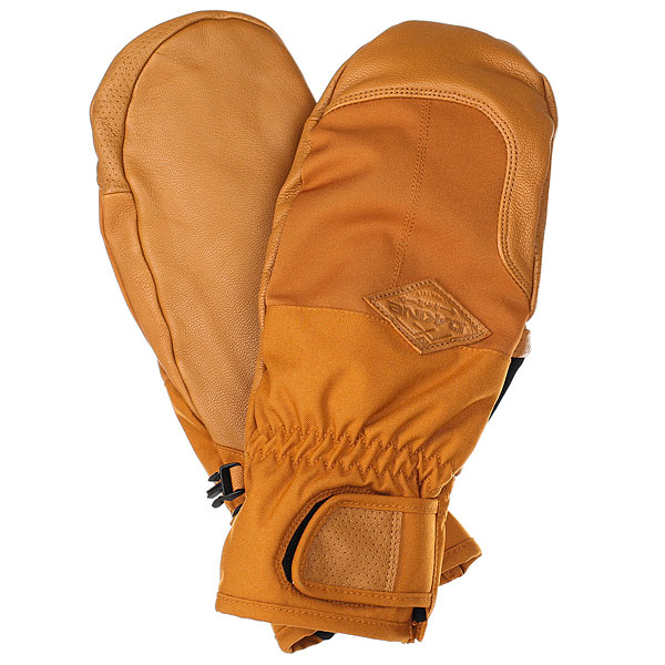 Варежки сноубордические Dakine Charger Mitt GingerПерчатки DAKINE CHARGER оснащены водоотталкивающей кожаной ладонью и задней панелью, придавая им превосходный внешний вид и прочность. Утеплитель High loft обеспечит тепло Вашим рукам, подкладка из флиса толщиной 300 г добавит плюшевого комфорта. Характеристики:Манжеты на липучках для максимального удобства. Утеплитель High loft60 г. Флисовая подкладка 300 г. Подкладка из мягкого материала Pile 400 г. Манжеты на липучках для максимального удобства.Износостойкая ладонь из кожи с пропиткой DWR. Мягкие вставки для носа. Фирменный патч Dakine.<br><br>Цвет: коричневый<br>Тип: Варежки сноубордические<br>Возраст: Взрослый<br>Пол: Мужской