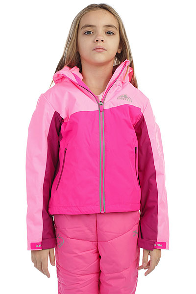 Куртка детская Anta Розовая W36746670-1Детская куртка-трансформер, в которой одновременно сочетаются легкая ветровка и теплая толстовка из флиса.ПРЕИМУЩЕСТВА: Куртка из прочного полиэстера.Толстовка из теплого и мягкого флиса.Капюшон с эластичной вставкой обеспечивает более плотное прилегание.Боковые карманы на молнии.Регулируемые манжеты на липучке.Застежка на молнию.<br><br>Цвет: розовый<br>Тип: Куртка<br>Возраст: Детский