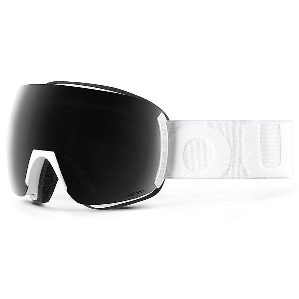 Маска для сноуборда OUT OF Earth (фотохром) White (the One Nero)Горнолыжная маска OUT OF Earth с увеличенным обзором благодаря эксклюзивной технологии Out Of RealNoFrame. Характеристики:Поляризованая, фотохромная линза с напылениемMCI. Защищает от ультрафиолета. Сферическая линза MCI из поликарбоната с зеркальным напылением, устойчивым к царапинам.Сменная линза в комплекте. Защита от ультрафиолета UV 400. Боковые металлические клипсы защищают маску и позволяют легко и быстро заменять линзы. Покрытие против запотевания Anti-Fog. Увеличенный обзор: 140° вертикальный и 220° горизонтальный. Широкий ремешок обеспечивает плотную посадку маски. Бонусная линза в комплекте.<br><br>Цвет: белый,черный<br>Тип: Маска для сноуборда<br>Возраст: Взрослый<br>Пол: Мужской