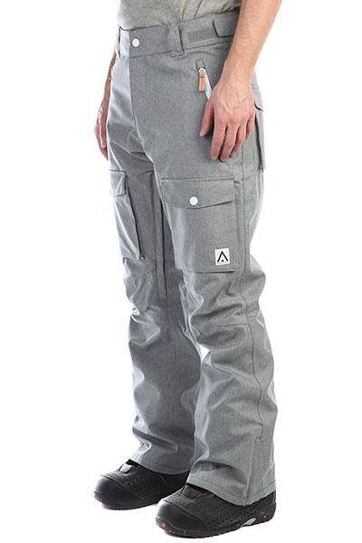 Штаны сноубордические Colour Wear Flight Pant Grey MelangeМужские сноубордические штаны Colour Wear Flight Pant  - удобное решение для любителей экстремального и комфортного образа жизни.Характеристики:Мембрана – 10К. Полностью проклеенные швы. Водостойкие молнии YKK AquaGuard®.Снегозащитные гетры.Вентиляционное отверстие с внутренней стороны бедра. Регулируемая талия с петлями для ремня. Система присоединения куртки к штанам. Карманы для рук. Два накладных кармана по бокам. Один карман сзади. Усиленные манжеты штанин. Регулируемые наплечные ремни. Боковые карманы на водонепроницаемой молнии. Фирменный логотип.<br><br>Цвет: серый<br>Тип: Штаны сноубордические<br>Возраст: Взрослый<br>Пол: Мужской