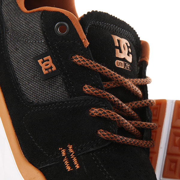 Кроссовки DC Player Se Black/Camel