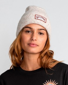 Женская шапка Sticky