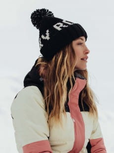 Женская шапка с помпоном Tonic