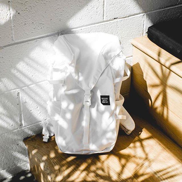 Рюкзак туристический Herschel Barlow Medium Moonstruck