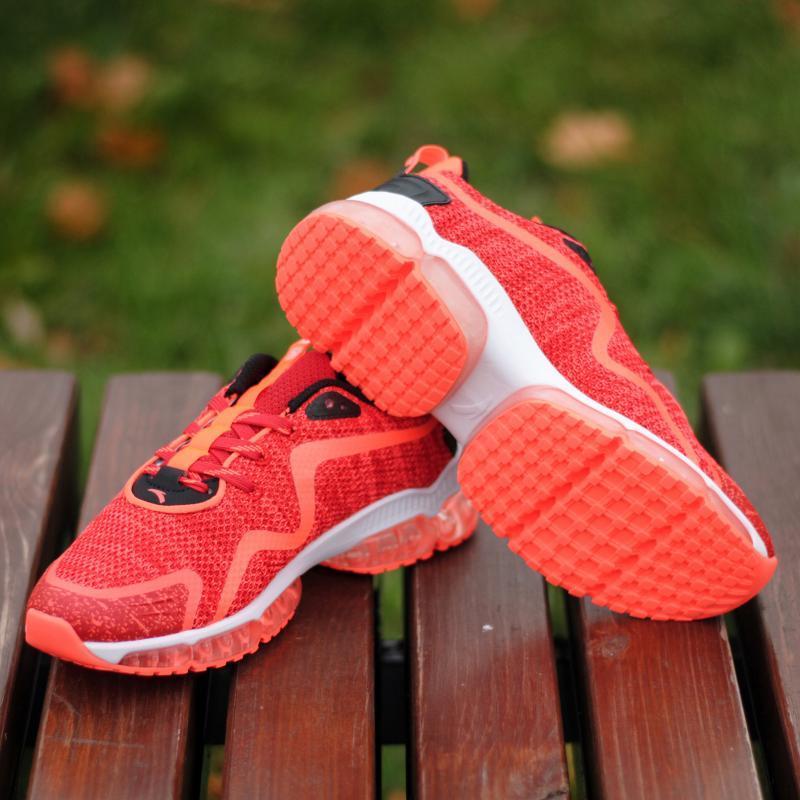 Кроссовки женские Anta 82745502-05 Orange