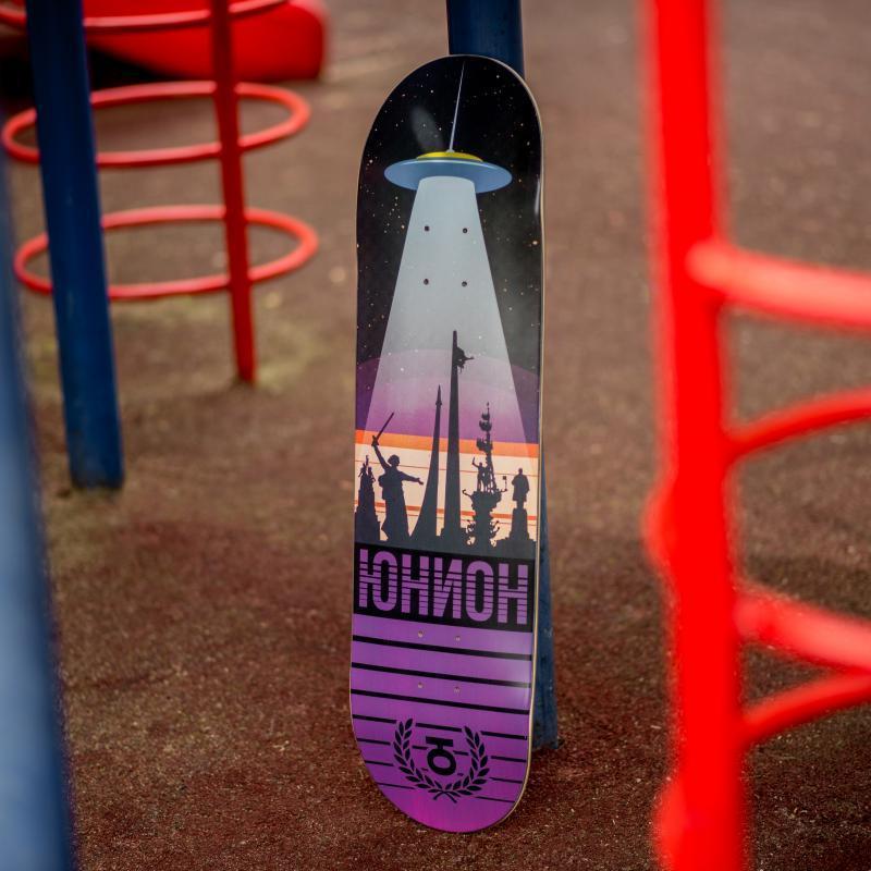Дека для скейтборда Юнион Monuments Multi 31.75 x 8.125 (20.6 см)
