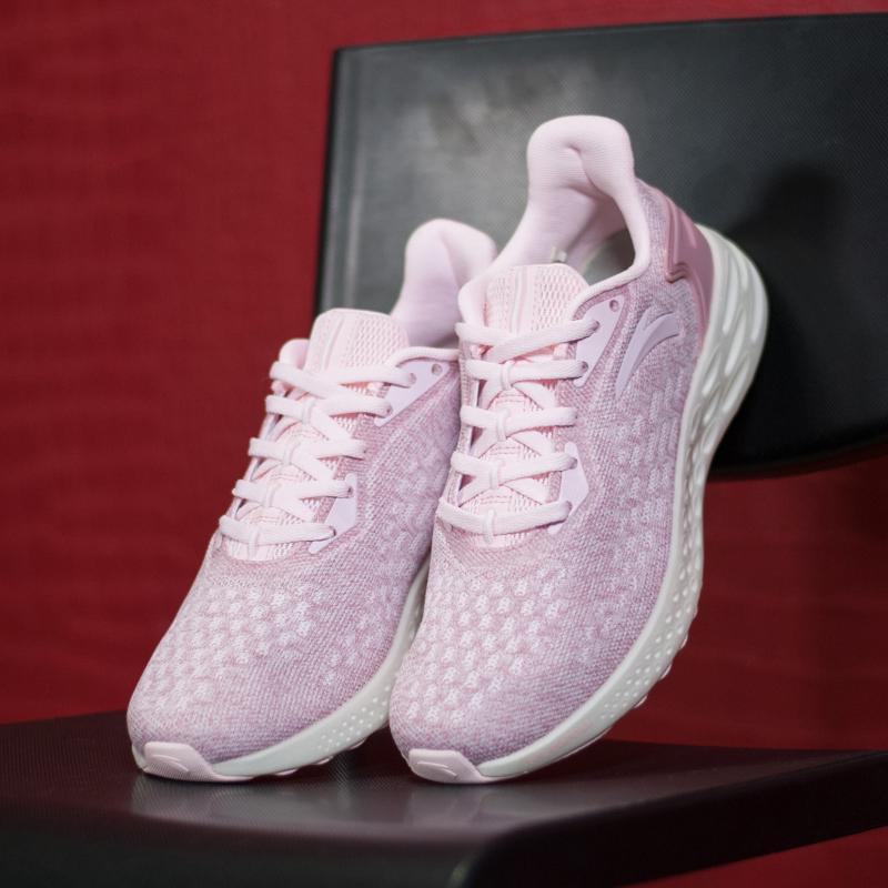 Кроссовки женские Anta 82815532-10 Розовые